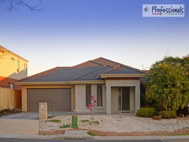 15 Broadway Boulevard, Caroline Springs, Vic 3023