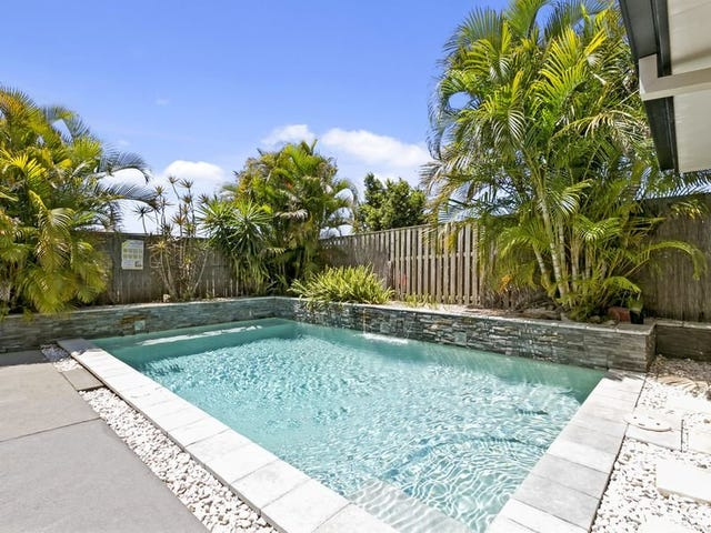 2 Burr Court, Pacific Pines, Qld 4211