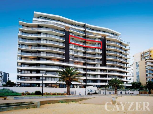 803/155 Beach Street, Port Melbourne, Vic 3207
