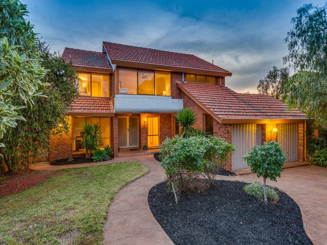 9 Nerida Court, Taylors Lakes, Vic 3038