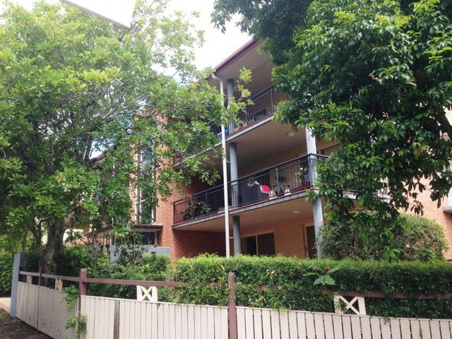 1/46 Knowsley Street, Greenslopes, Qld 4120