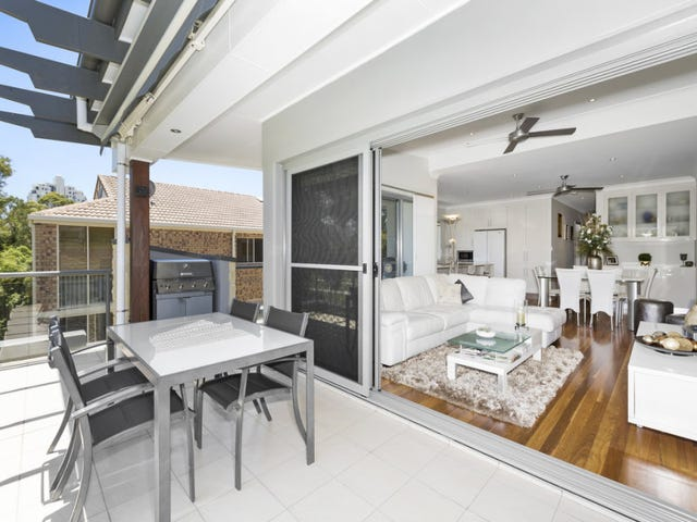 4/3 Carmichael Close, Coolangatta, Qld 4225