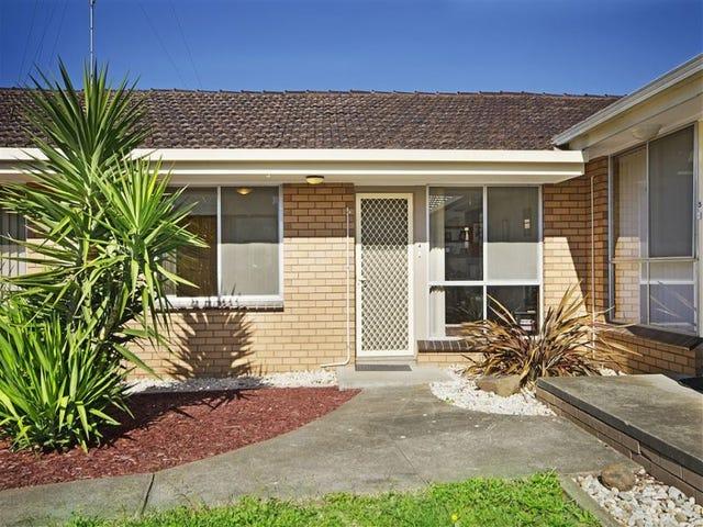 4/54 Ballarat Road, Hamlyn Heights, Vic 3215