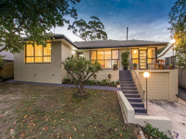 24 Lambhill Crescent, Highton, Vic 3216