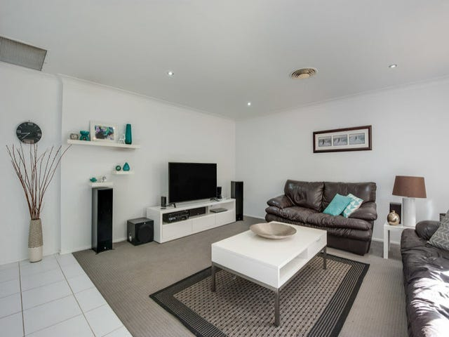 18 James Sea Drive, Green Point, NSW 2251