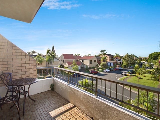 4/1 Angie Court, Mermaid Waters, Qld 4218
