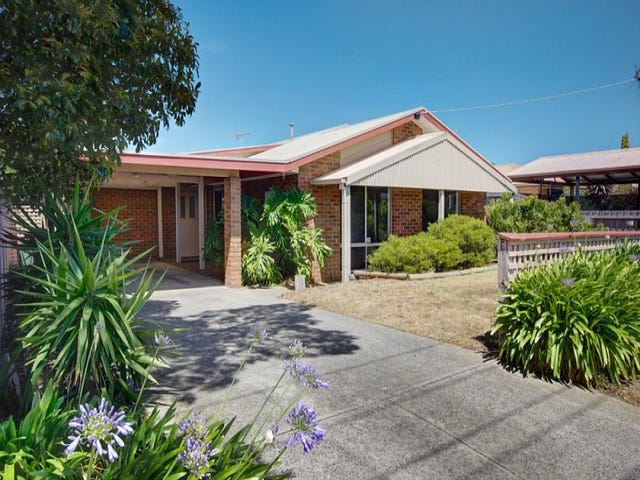 17 Sandalwood Court, Grovedale, Vic 3216