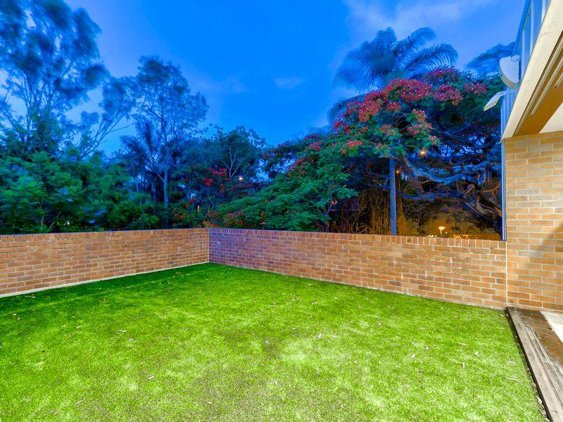 9 Northam Avenue, Bardon, Qld 4065