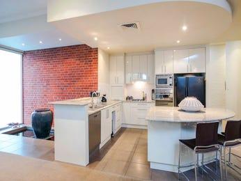 Floorboards in a kitchen design from an Australian home - Kitchen Photo 8724393