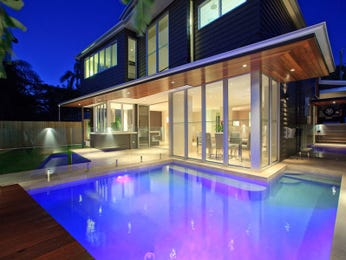 Photo of a geometric pool from a real Australian home - Pool photo 985558