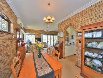 Photo of a dining room design idea from a real Australian house - Dining Room photo 8649053