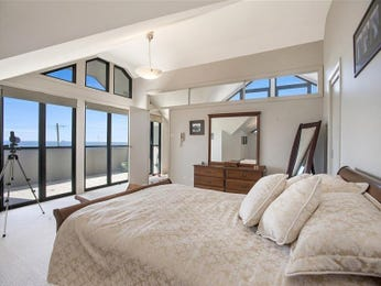 Neutral bedroom design idea from a real Australian home - Bedroom photo 2346005