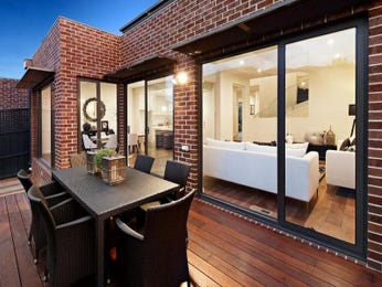 Outdoor living design with deck from a real Australian home - Outdoor Living photo 1901253