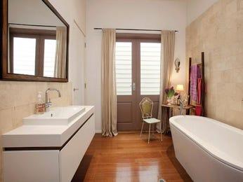 Classic bathroom design with freestanding bath using granite - Bathroom Photo 108967