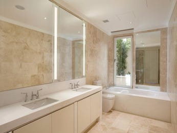 Art deco bathroom design with built-in shelving using ceramic - Bathroom Photo 109994