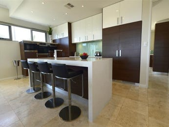 Modern open plan kitchen design using tiles - Kitchen Photo 7550805