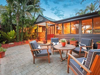Outdoor living design with outdoor dining from a real Australian home - Outdoor Living photo 2227273