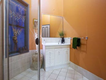 Bathroom ideas in blue green red and yellow - Red and yellow bathroom ideas ...
