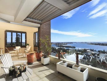 Outdoor living design with balcony from a real Australian home - Outdoor Living photo 2233913