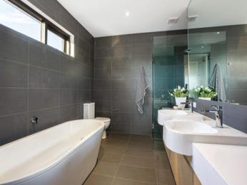 Ceramic in a bathroom design from an Australian home - Bathroom Photo 8420745