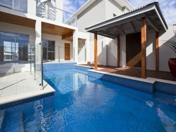 Photo of a geometric pool from a real Australian home - Pool photo 1159337