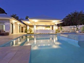 Geometric pool design using tiles with cabana & decorative lighting - Pool photo 693036