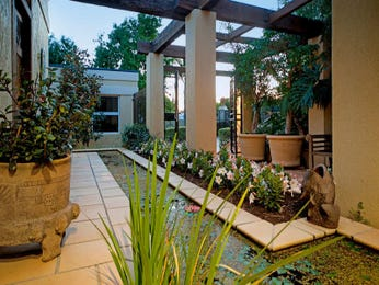 Photo of a modern garden design from a real Australian home - Gardens photo 2082125