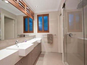 Frameless glass in a bathroom design from an Australian home - Bathroom Photo 2061957