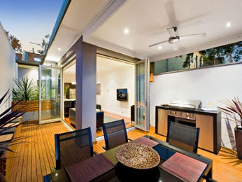 Outdoor living design with deck from a real Australian home - Outdoor Living photo 1432381