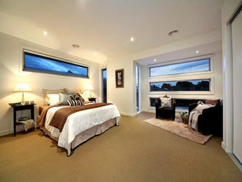 Classic bedroom design idea with carpet & bi-fold windows using cream colours - Bedroom photo 381605