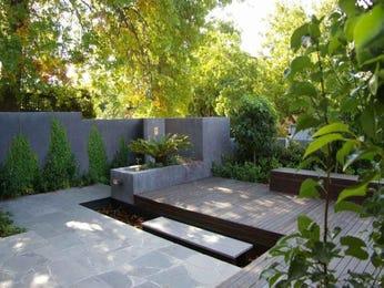 Modern garden design using bamboo with outdoor dining & outdoor furniture setting - Gardens photo 118564