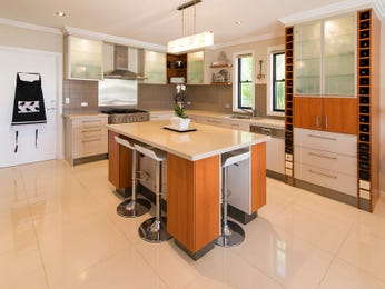 Frosted glass in a kitchen design from an Australian home - Kitchen Photo 8104561