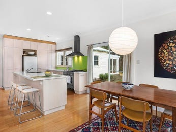 Photo of a dining room design idea from a real Australian house - Dining Room photo 16100453