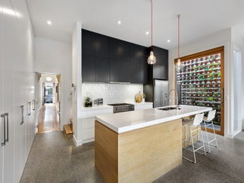 Modern open plan kitchen design using frosted glass - Kitchen Photo 15993765