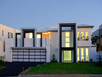 Photo of a glass house exterior from real Australian home - House Facade photo 171064