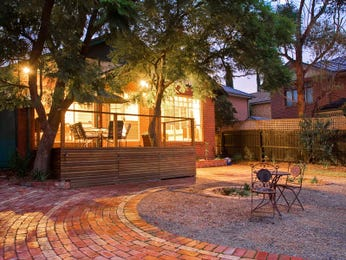 Low maintenance garden design using brick with retaining wall & decorative lighting - Gardens photo 471926