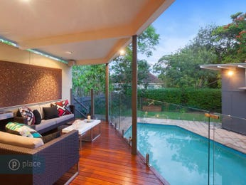 Outdoor living design with deck from a real Australian home - Outdoor Living photo 8360125