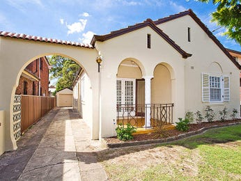 Photo of a stone house exterior from real Australian home - House Facade photo 387025