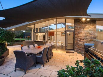 Outdoor living design with outdoor dining from a real Australian home - Outdoor Living photo 8828981