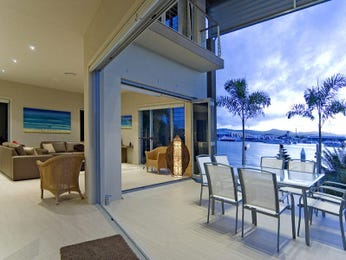 Outdoor living design with balcony from a real Australian home - Outdoor Living photo 357439