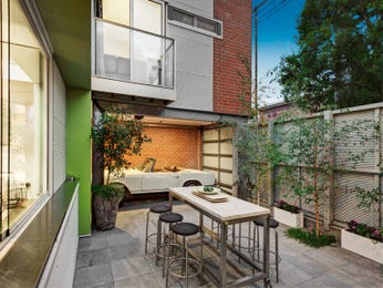 Outdoor living design with outdoor dining from a real Australian home - Outdoor Living photo 14807617