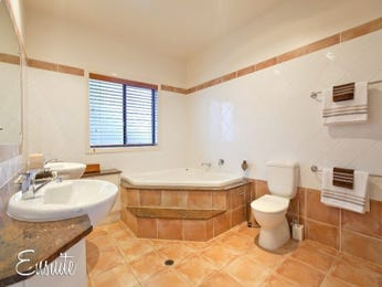 Ceramic in a bathroom design from an Australian home - Bathroom Photo 407356