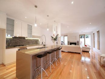 Modern island kitchen design using floorboards - Kitchen Photo 228456