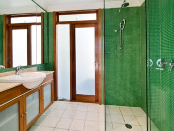 Bathroom ideas with timber in blue green red and yellow - Red and yellow bathroom ideas ...