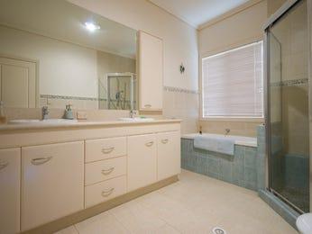 Glass in a bathroom design from an Australian home - Bathroom Photo 405601