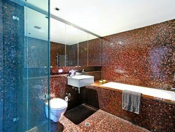 Modern bathroom design with recessed bath using ceramic - Bathroom Photo 2129793