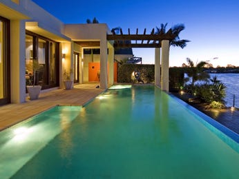 Swim spa pool design using tiles with verandah & ground lighting - Pool photo 485838