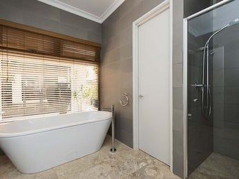 Frameless glass in a bathroom design from an Australian home - Bathroom Photo 15000473