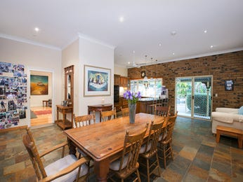 Photo of a dining room design idea from a real Australian house - Dining Room photo 8659825