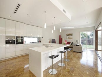 Kitchen dining dining area ideas with feature wall for Kitchen feature wall ideas